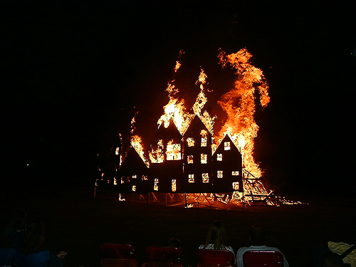 Photo of a burning house. Photo by Krawiec @ USA - NJ on Flickr