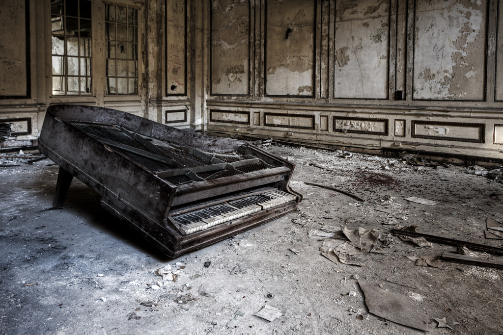 "Photo of an abandoned piano. For ""The Pianos Were Burning"" blog post."